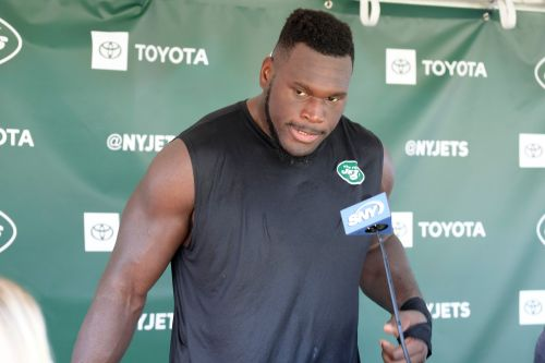 Jets in escalating feud with Kelechi Osemele over shoulder surgery