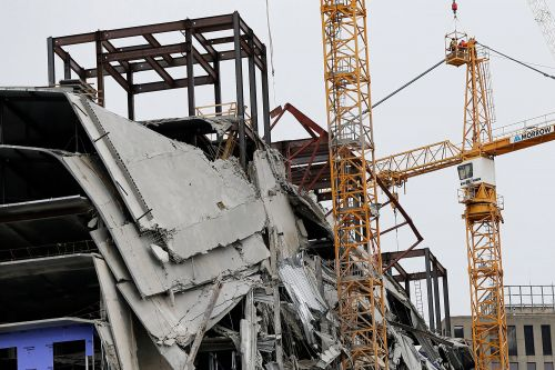 New Orleans to use explosives to remove cranes from collapsed Hard Rock Hotel