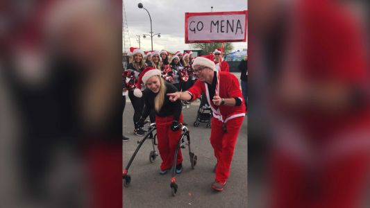 'Be confident in yourself': Teen with cerebral palsy finishes Santa Run using a walker