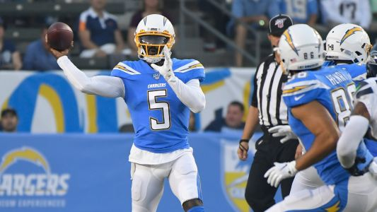 Tyrod Taylor has lung punctured in freak accident involving Chargers team doctor