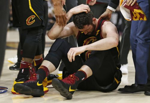 Cavs' Kevin Love will miss Game 7; LeBron not worried about leg