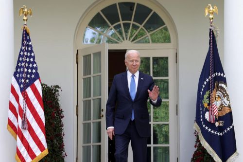 Biden kills Trump's sculpture garden of 'American heroes'