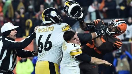 'I've never seen that in my life': Cleveland Browns' Myles Garrett smashes Steelers' Mason Rudolph in head with helmet