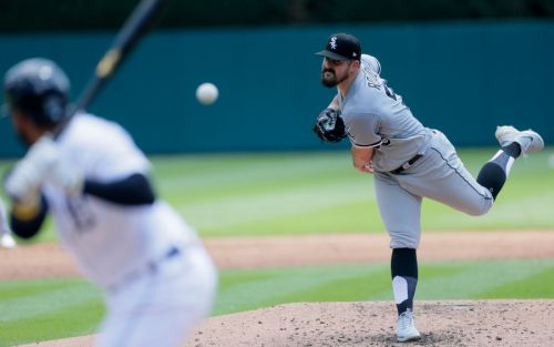 Rodón takes no-hitter into 7th; White Sox sweep Tigers