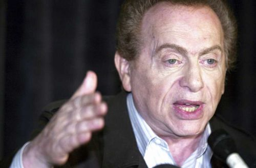 Jackie Mason, comic who perfected amused outrage, dies at 93