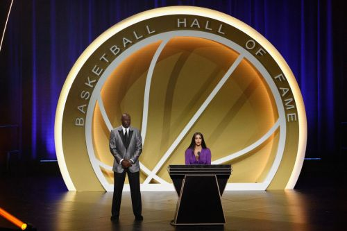 'There will never be anyone like Kobe:' Vanessa Bryant speaks at emotional Hall of Fame ceremony