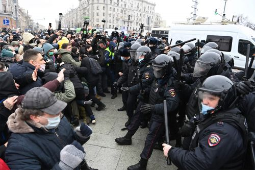 Putin can't contain Russians' fury over the Alexei Navalny arrest