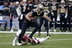 Saints cut veteran tight end Josh Hill, extend J.T. Gray
