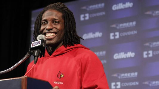 Former Cards, NFL wide receiver Deion Branch earns degree from UofL