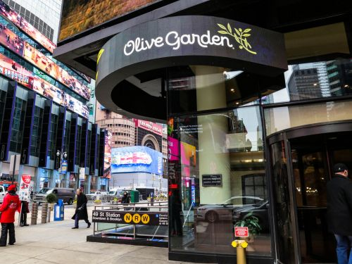 Olive Garden's Times Square restaurant is burning through $300,000 every week, as New York City restaurants await the return of indoor dining