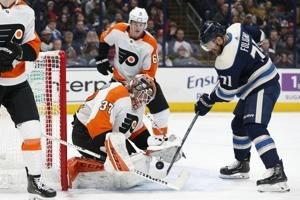 Hayes' OT goal powers Flyers past Blue Jackets 4-3