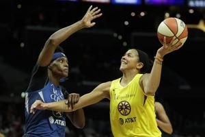 Parker, Gray help Sparks beat Lynx for 9th straight home win