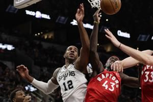 Spurs F Aldridge sidelined by thumb injury