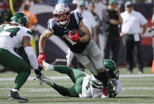 Julian Edelman leaves Jets game with injury, does not return