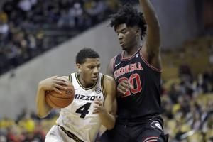 Missouri ends four-game skid with 72-69 win over Georgia