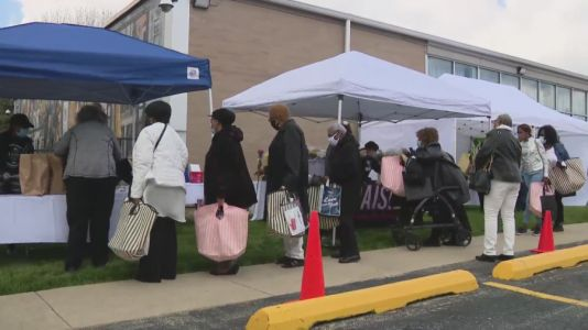 Local organizations give back to moms as Mother's Day celebrations begin