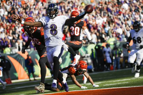 Jackson stars again to help Ravens rout Bengals