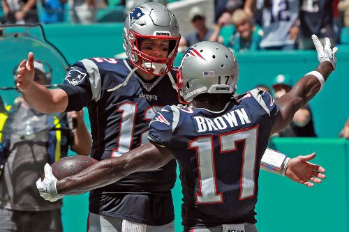 Tom Brady rebuffs notion he pushed Buccaneers to sign Antonio Brown