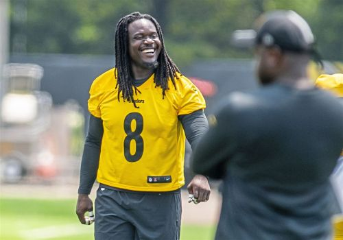 'Like a kid in a candy store': Melvin Ingram ecstatic to join the Steelers defense