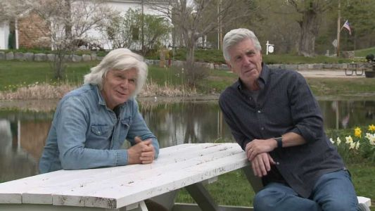 Game show hosts John Davidson, Tom Bergeron swap stories in NH