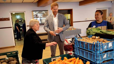 'Skyrocketing food bank use': UK families going hungry thanks to welfare cuts, HRW claims