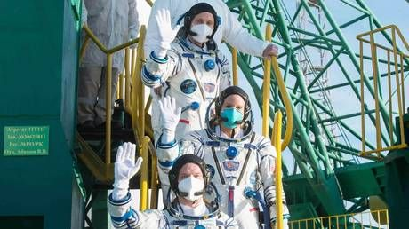 Foes on the ground, but friends in space: American astronauts on ISS give their food to Russian cosmonauts after supplies run out