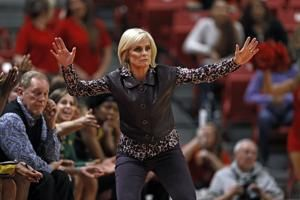 Mulkey fastest to 600 as No. 2 Baylor women top Texas Tech