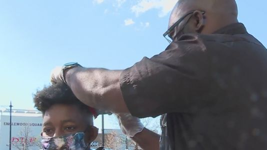 Barber gives free haircuts, spiritual guidance on Chicago's South Side