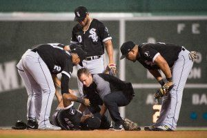 Tim Anderson hurt, Red Sox beat White Sox 6-3 in rain