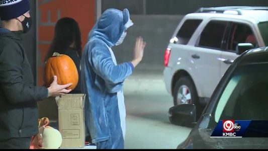 Big Brothers Big Sisters hosts trunk-or-treat event
