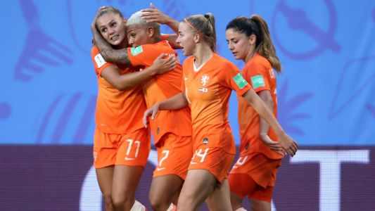 Women's World Cup 2019: Late penalty sends Netherlands past Japan