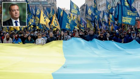 Damned if you do: Russia has nothing to gain by cutting off ties with Ukraine. But, sadly, talking to Kiev doesn't help either
