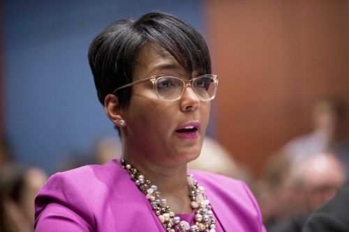 Atlanta mayor Keisha Lance Bottoms says she's contracted COVID-19