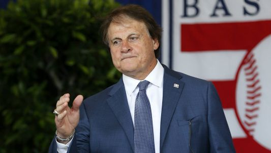 White Sox hire Hall of Fame manager Tony La Russa, following owner's orders