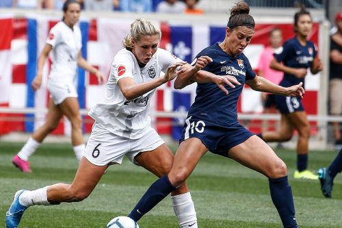 USWNT stars call for help in promoting women's soccer league