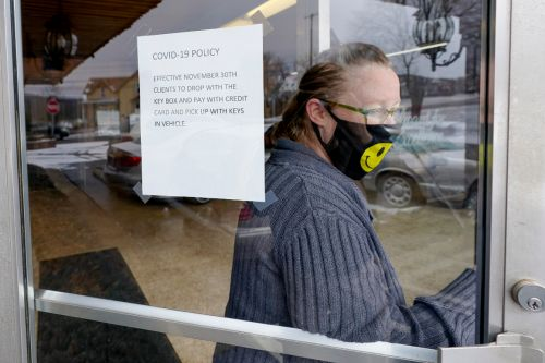 Millions head back to work amid employer confusion over masks, vaccines