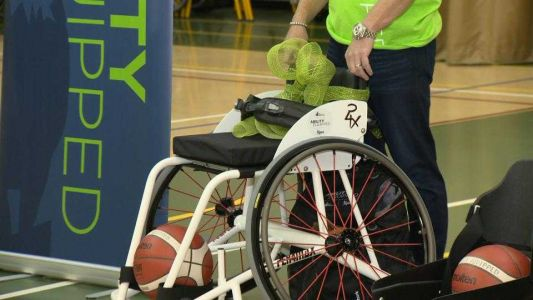 Howard County teen surprised with new sports wheelchair