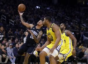 D'Angelo Russell shines, Warriors end 10-game losing streak