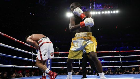 Amir Khan refutes Terence Crawford's accusations of quitting after low blow