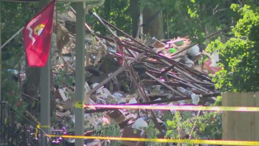 Explosion levels house in Joliet area, 1 in critical condition
