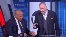 Charles Barkley Humiliated When He Can't Turn Off Phone On Live TV