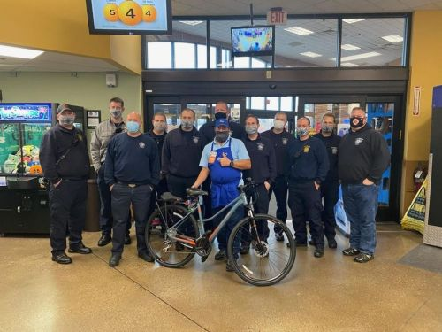 Illinois firefighters replace bike stolen from grocery employee