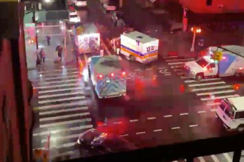 Man clings to life, another injured in Manhattan deli shootings