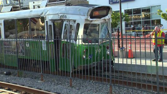 25 injured after 2 trains collide in Boston; no life-threatening injuries, officials say