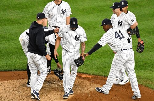 Yankees bullpen, defense flop in ugly loss to Nationals
