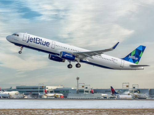The 8 US airlines people like and hate the most