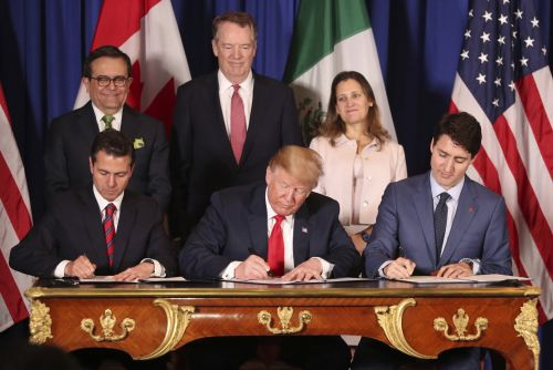 New North American trade deal modestly boosts U.S. economy, trade panel finds