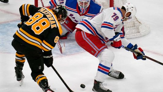 Bruins lose grip on 3rd period lead, unable to rally against Rangers