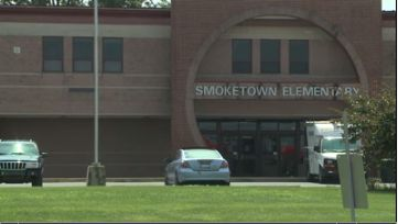 Mold delays first day of school for elementary school in Lancaster County