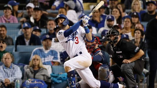 Dodgers' Chris Taylor continues postseason surge with historic 3-homer night in NLCS Game 5